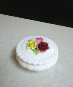 Pretty Coalport Trinket Box with 3 Applied Roses - Excellent Condition