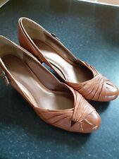 Ladies Clarks Brown Court Shoes Med Heel Size 5 D