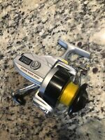 VINTAGE OLYMPIC SPARK NO.3180 SPINNING REEL Spark 180 Ball Bearing System