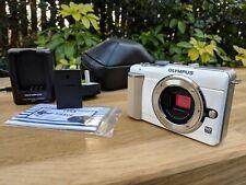 Olympus PEN E-PL1 12.3 MP Digital Camera BODY  - EXCELLENT