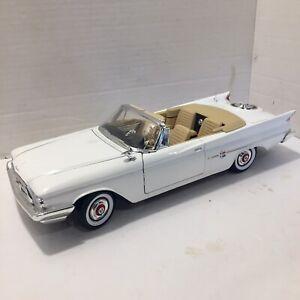 Yatming , Road Signature - 1960 Chrysler 300F - 1:18 Diecast Car - White