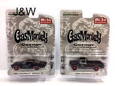 Greenlight Chevrolet Impala SS 1967 and C10 1968 Gas Monkey Garage 51120 1/64