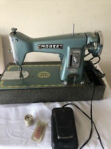 Vintage Morse 300 Deluxe Sewing Machine with Foot Pedal