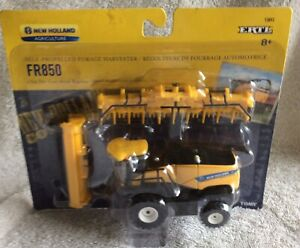 New Holland FR850 Self Propelled Forage Harvester  n 1/64 Scale Farm Toy