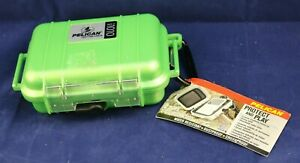 Pelican i1010 Water Resistant Crushproof iPod Protector Case Bright Green