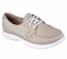 Boat Low (3/4 in. to 1 1/2 in.) Solid Flats for Women