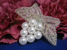 FLOWER WITH PEARL LIKE BEADS BEADED APPLIQUE 0453-S1