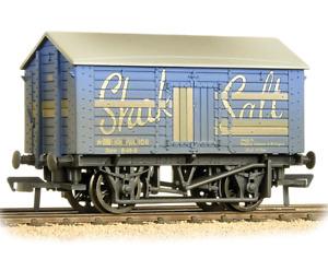 Bachmann 33-179B 10T Covered Salt Wagon 'Shaka Salt' - '00' Gauge - T48 Post