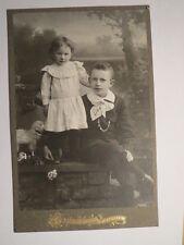 Poessneck - 2 Kinder - Junge und Mädchen in feiner Kleidung / KAB