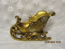 Antiqued Decorative Sleigh With Holly And Scroll Accent/Antiqued Gold