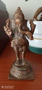 Ganesh. Scultura in bronzo antica del dio induista Ganesh in ottime condizioni