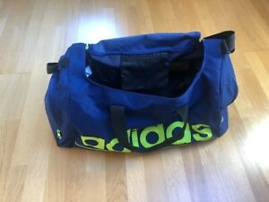 ADIDAS duffle bag - large in excellent condition