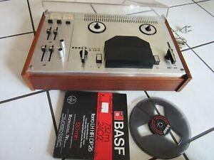TESLA Modell B100 DDR Ostblock 2-Spur  Tonbandgerät Vintage mit Deckel