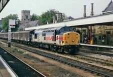 PHOTO  CLASS 37 LOCO NO 37707. AT LINCOLN  RAILWAY STATION  7.97