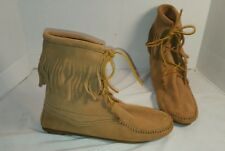 NEW MINNETONKA TAUPE TRAMPER SUEDE ANKLE BOOTS FRINGE BOOTIES WOMEN'S SIZE 8