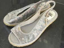Stuart Weitzman New & Genuine Silver Sequin Sandals UK 12, EU 31 With Logo