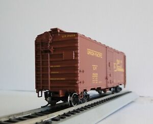 Walthers Mainline 910-1671 - 40' AAR 1944 Boxcar Union Pacific  #196018