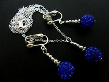 A PRETTY BLUE SHAMBALLA STYLE NECKLACE & CLIP ON EARRING SET. NEW.