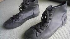 Airwalk Black Leather Sneaker Casual  Skate Shoe US 8 Near New