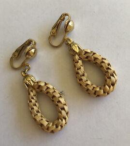 Vintage 80s Drop Boho Clip Natural Woven Raffia Earrings