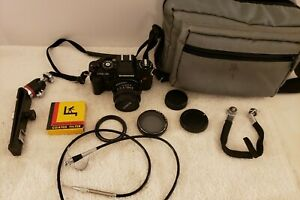 Vintage CHINON CG-5 SLR 35mm Film Camera with Bag and Extras