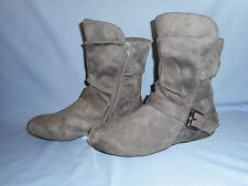 """Hot Cakes Ladies Sz 7 M Gray Suede-Like Ankle Boots 1/2"""" Heel Side Zipper-Buckle"""