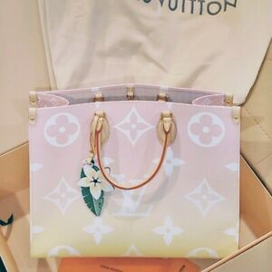 Authentic LOUIS VUITTON Limited Edition BY THE POOL ONTHEGO GM Tote NEW IN BOX!
