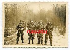 Foto Bundeswehr Soldaten ín Splittertarn Uniform Gewehr und Helm Dillingen