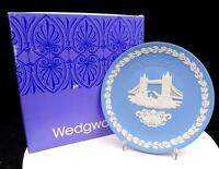 "WEDGWOOD JASPERWARE BLUE CHRISTMAS 8"" TOWER BRIDGE PLATE ORIGINAL BOX 1975"