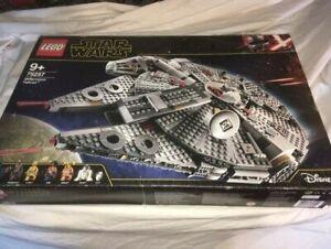 Lego Star Wars set 75257 Millennium Falcon