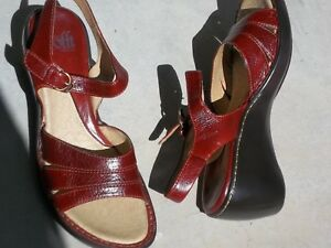 NWB Sofft 'Gala' Red Wedge Sandals 8 M