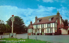 Postcard. THE WHITE HART, HOCKLEY. Unused. Standard size.