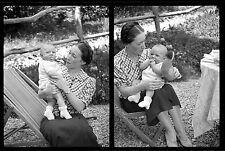 Jeune Femme & bébé chaise longue transat - Ancien négatif photo an 1930
