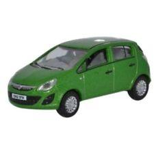 Auto di modellismo statico verde scala 1:76