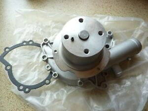 ROVER P6 3500 / 3500S V8  Water pump.  New.  GWP 310.