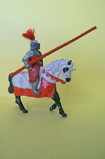 PLOMB CREUX : MARQUE TIMPO TOYS : TRES BEAU CHEVALIER A CHEVAL