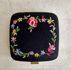 Antique Embroidery Compact Black Satin Powder Case