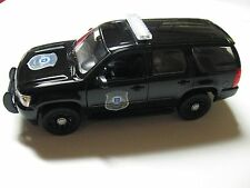 1:24 SCALE WELLY 2008 CHEVY TAHOE GM POLICE VEHICLE DIECAST TRUCK W/O BOX