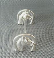 Silbernes Messerbänken Hindernis mit Pferdeköpfen - sehr schön für Nutellamesser