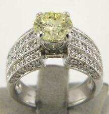 Diamanten Ringe in Solitär Stil mit Akzentsetzung