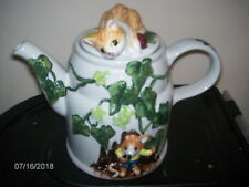"""Staffordshire England Cat & Mouse In Ivy Ceramic Pitcher / Tea Pot w/ Lid ~ 6"""""""