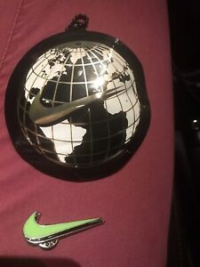 Nike Worldwide Enamel Pin Double Swoosh In Pouch Globe