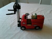 Vintage 1950's Battery Operated Pressed Steel,Tin Fork-Lift S-1002 Toy Japan