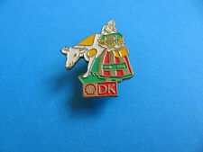 Shell Pin badge National Costumes. (DK) Denmark