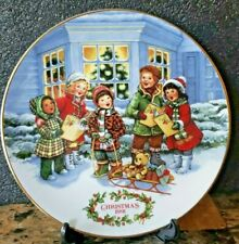 Avon Christmas Plate Perfect Harmony 1991 Trimmed In 22 kt Gold