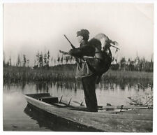 c.1920's Press Photo - The Deer Hunter With Gun And Catch Canada