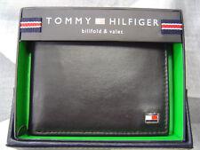 TOMMY HILFIGER MEN'S METAL LOGO LEATHER SLIM BIFOLD WALLET BLACK