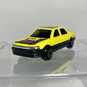 """Yatming #806 Lexus LS400/Toyota Celsior 1:64 Diecast Yellow """"YM Racing"""" tampo"""