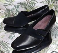 CLARKS BLACK LEATHER SLIP ONS SLIDES LOAFERS DRESS WORK SHOES US WOMENS SZ 10 N