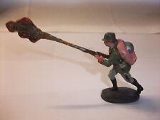 y1 Massefigur Lineol Elastolin Figur Wehrmacht 2. Wk Soldat mit Flammenwerfer